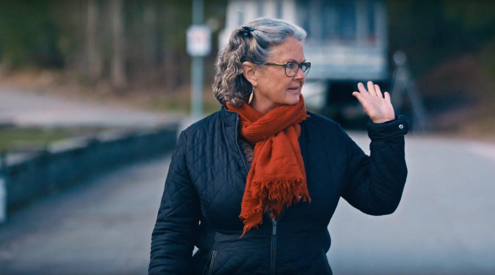 Bild från Vårdförbundets jubileumsfilm. Britt-Marie Forss, barnmorska.