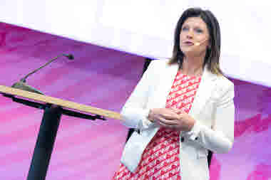 Eva Nordmark, dåvarande ordförande i TCO, håller tal under kongressen 2018.